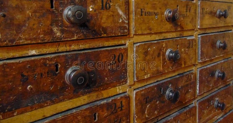 Vieil organisateur Cabinet images libres de droits