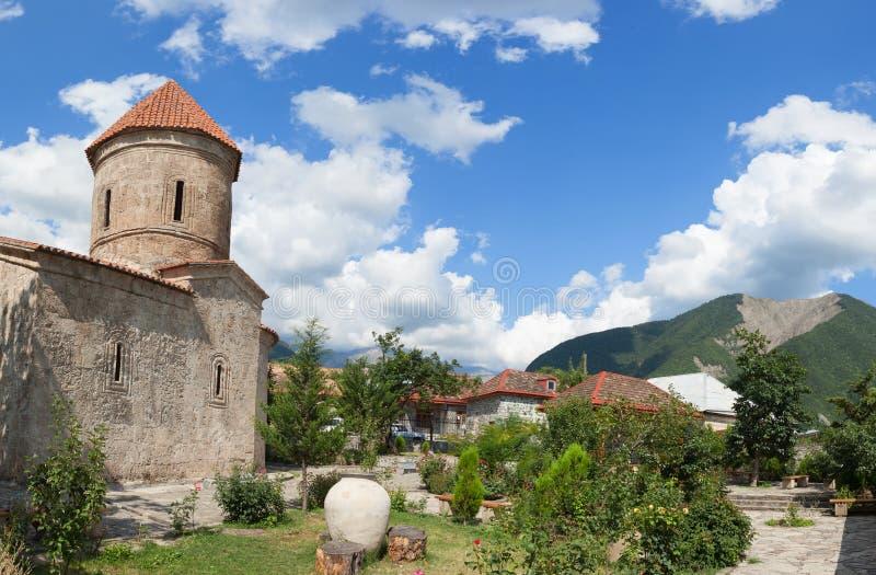 Vieille église albanaise en Kish Azerbaijan image stock