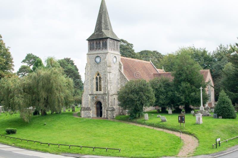 Vieille église anglaise du 12ème siècle de silex images stock