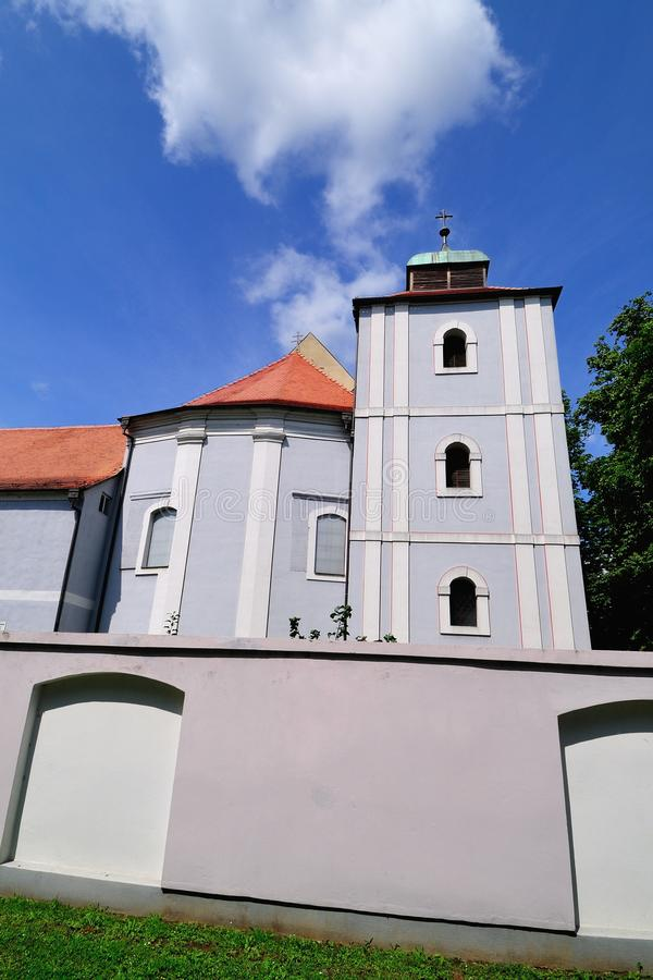 Vieille église catholique et monastère photos stock