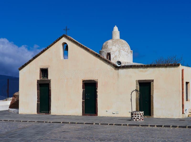 Vieille église Chiesa Vecchia di Quattropani dans Lipari, îles éoliennes, Sicile, Italie photo stock