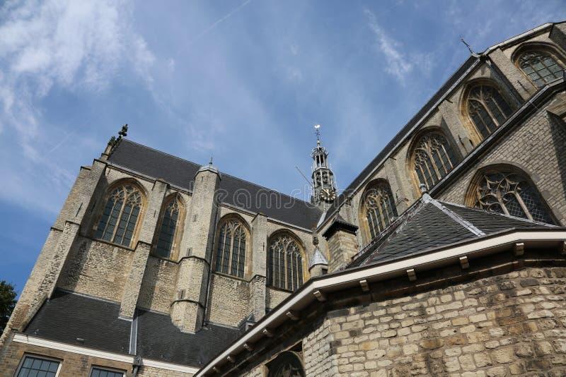 Vieille église dans la ville d'Alkmaar aux Pays-Bas image libre de droits