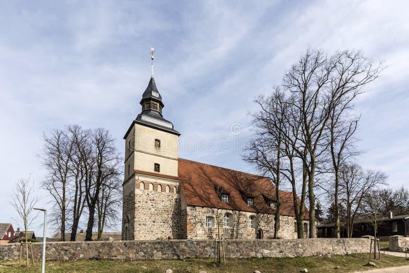 Vieille église dans le petit village du benz photo stock