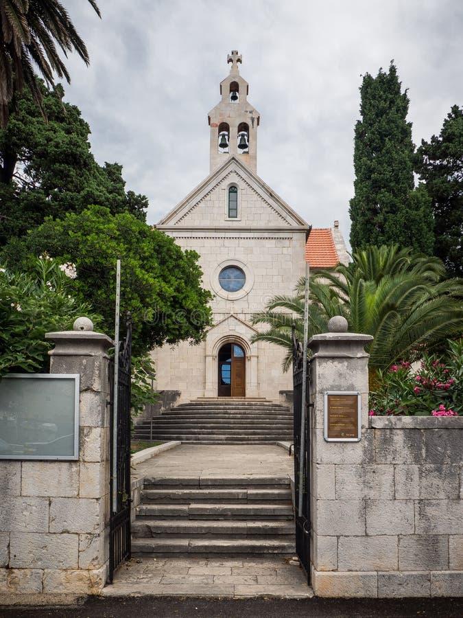 Vieille église dans Sucuraj, île de Hvar, Croatie image stock