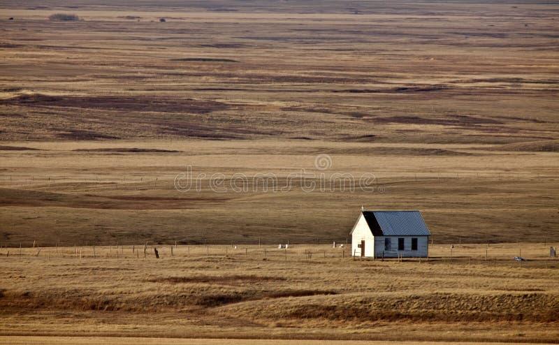 Vieille église de prairie photographie stock libre de droits