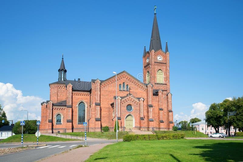 Vieille église luthérienne dans la ville de Loviisa, jour auguste finland images stock