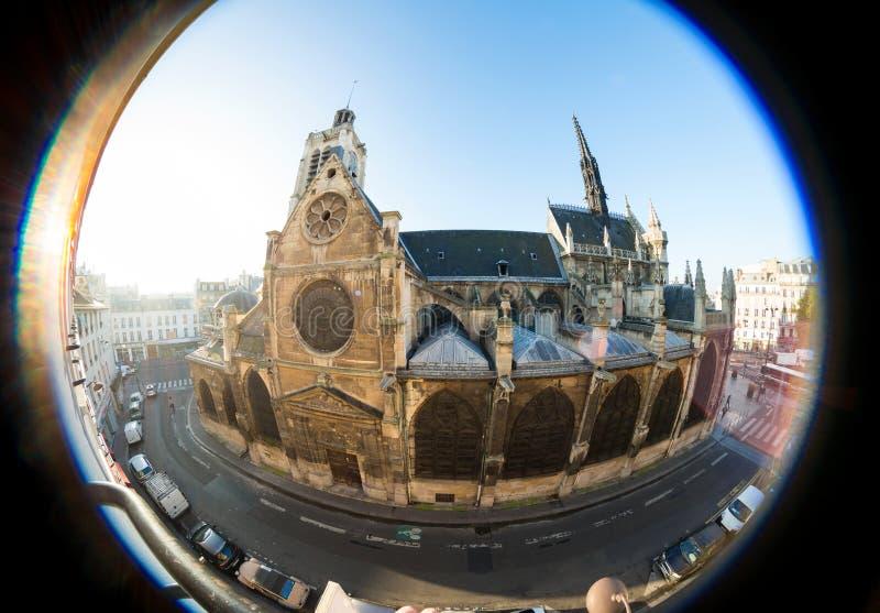 Vieille église, prise la lentille de fisheye, à Paris photo stock