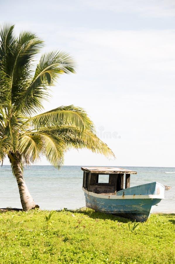 Vieille île Nicaragua de maïs de bateau de pêche photographie stock