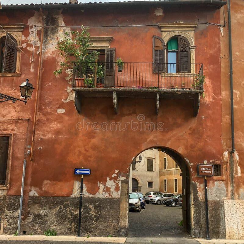 Vieille architecture de construction à Gênes, Italie photos libres de droits