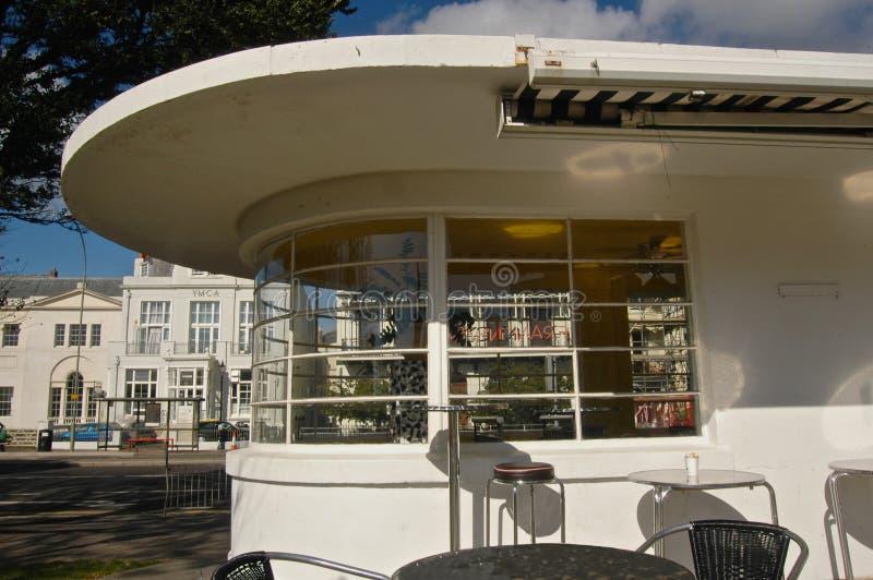 Vieille aubette d'Art Deco et Brighton de la commodité images libres de droits
