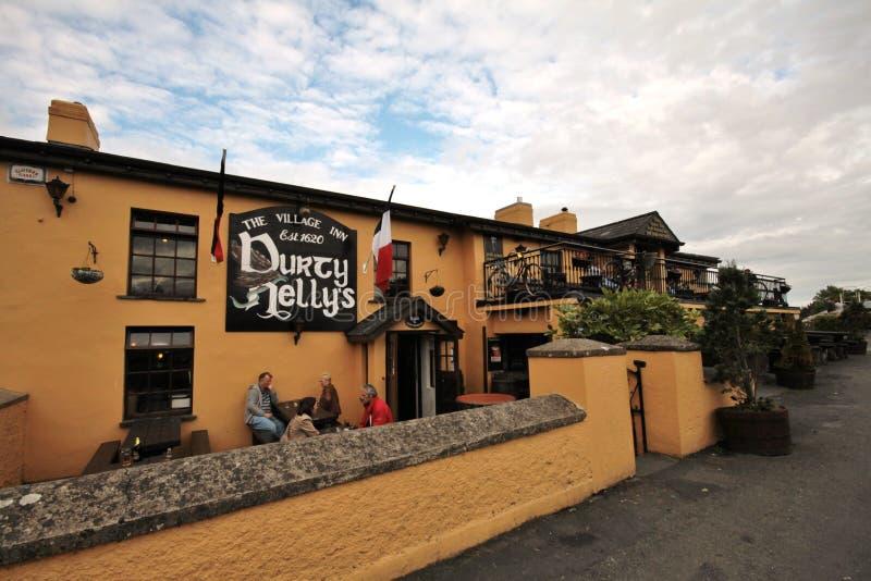 Vieille bar de Durty Nelly dans Bunratty, Irlande image libre de droits