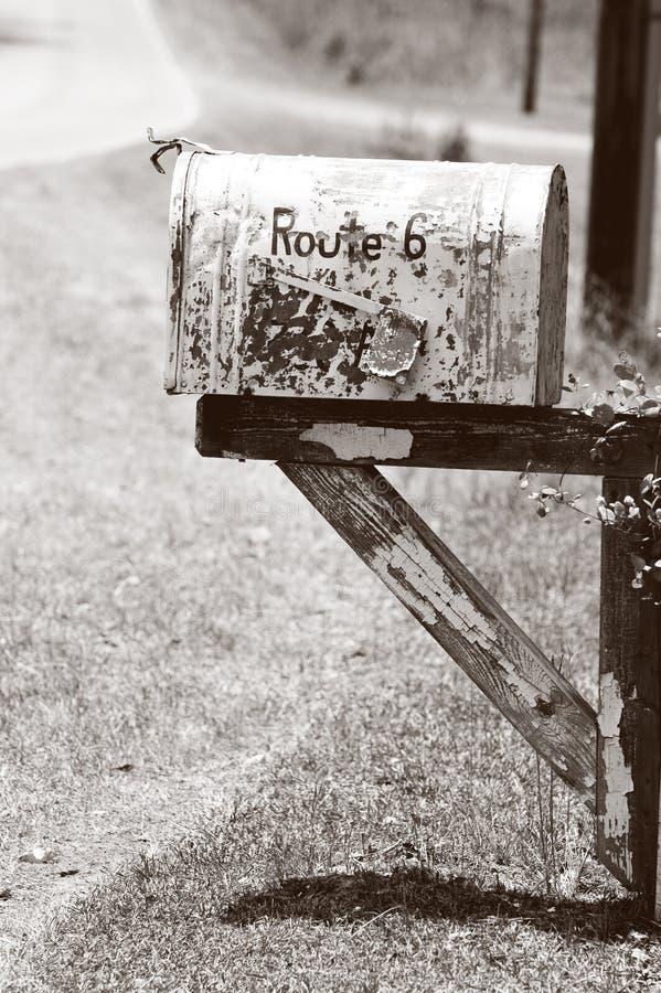 Vieille boîte aux lettres rurale photos stock