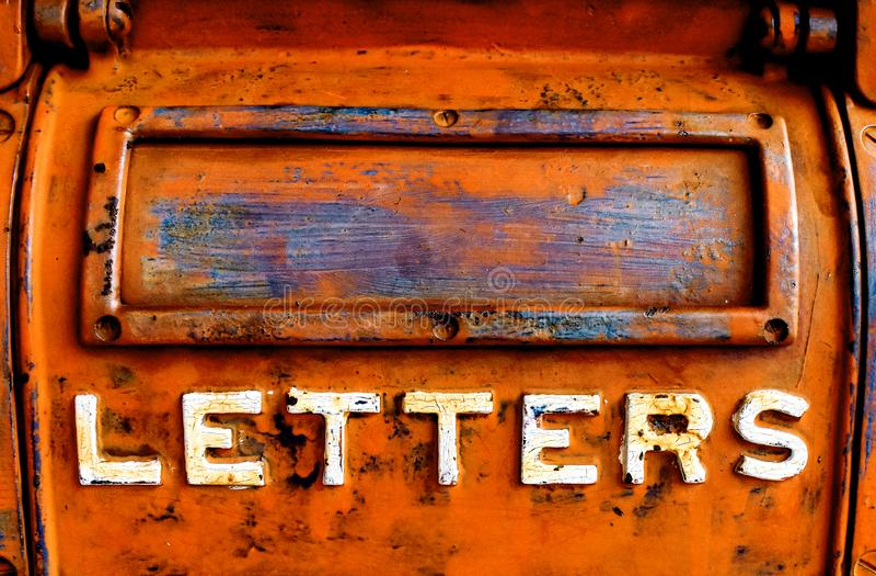 Vieille boîte de lettre en métal photos libres de droits