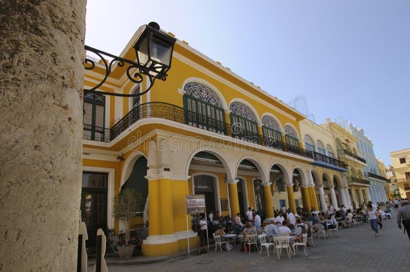 Vieille brasserie de La Havane dans la plaza Vieja. 6 avril 2010. photo libre de droits
