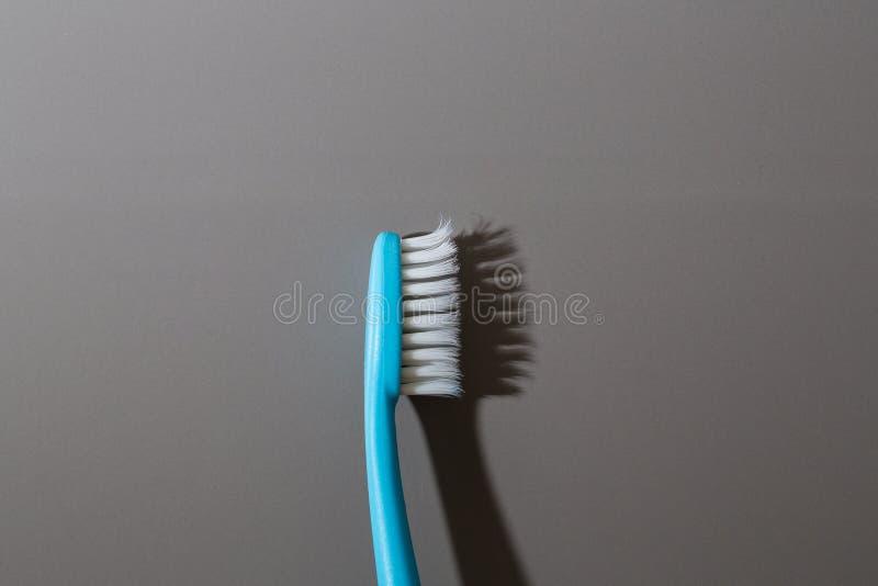 Vieille brosse à dents photos stock