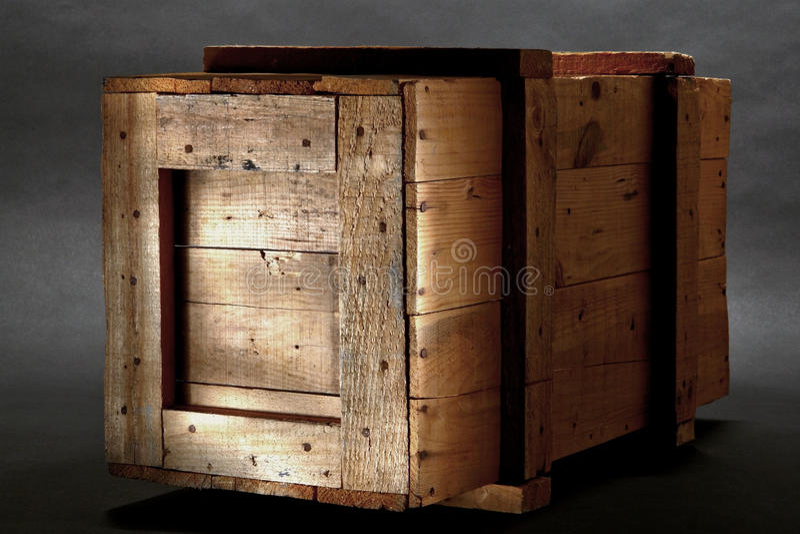 vieille caisse en bois d 39 exp dition photo stock image du caisse conteneur 13280478. Black Bedroom Furniture Sets. Home Design Ideas