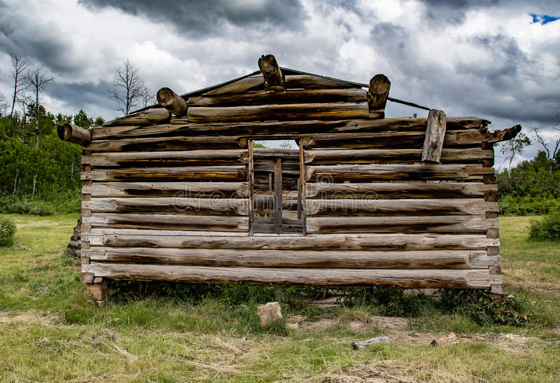 Vieille carlingue au Wyoming photos stock
