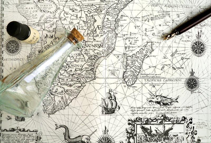 Vieille carte de navigation, pirate et concept caché de trésor photographie stock libre de droits