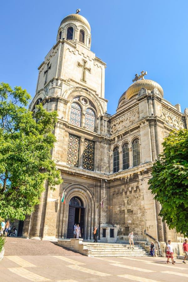 Vieille cathédrale à Varna photo stock