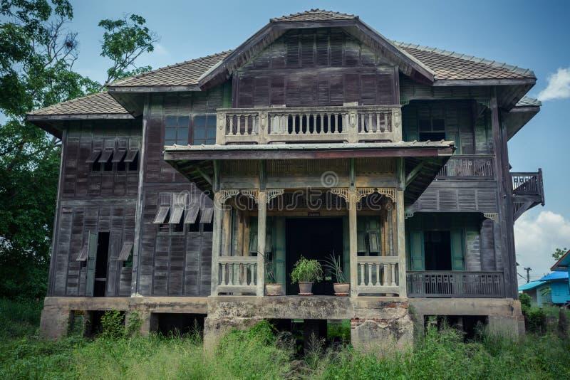 Download Vieille Chambre abandonnée image stock. Image du maison - 45365421