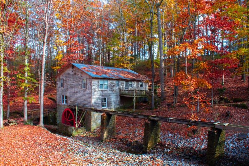 Vieille Chambre de roue d'eau de l'Alabama image libre de droits