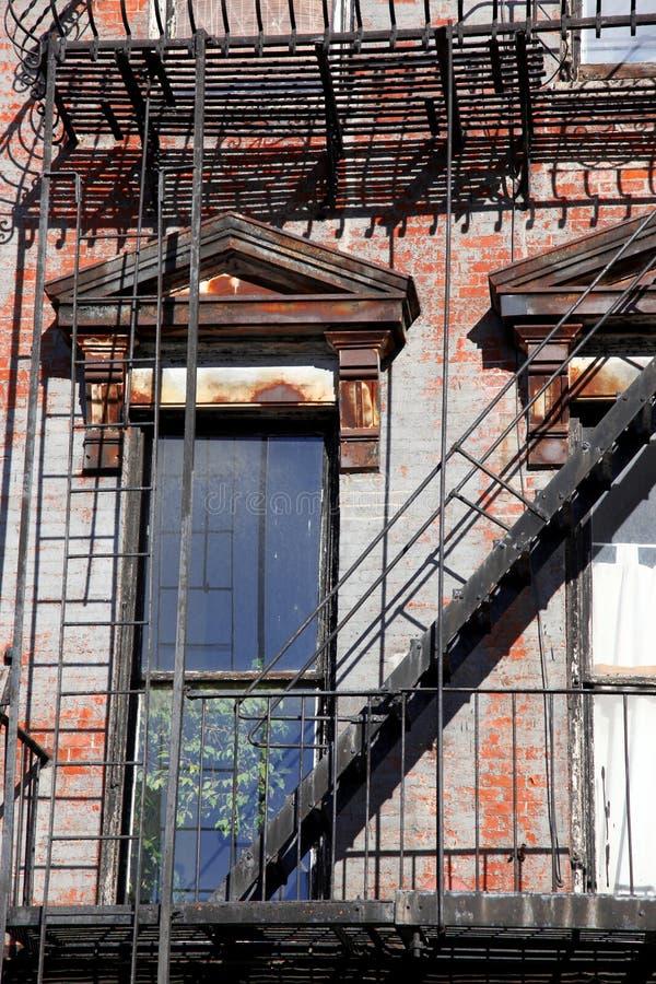 Vieille construction d'escalier à New York City Manhattan images libres de droits