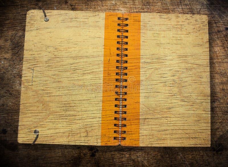 Vieille couverture de livre brune image libre de droits