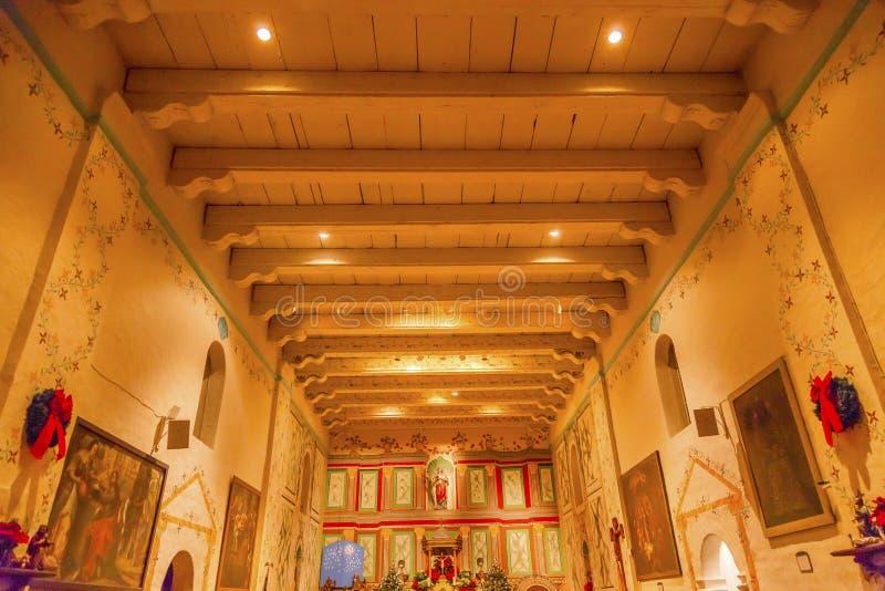 Vieille croix de Santa Ines Solvang California Basilica Altar de mission photographie stock