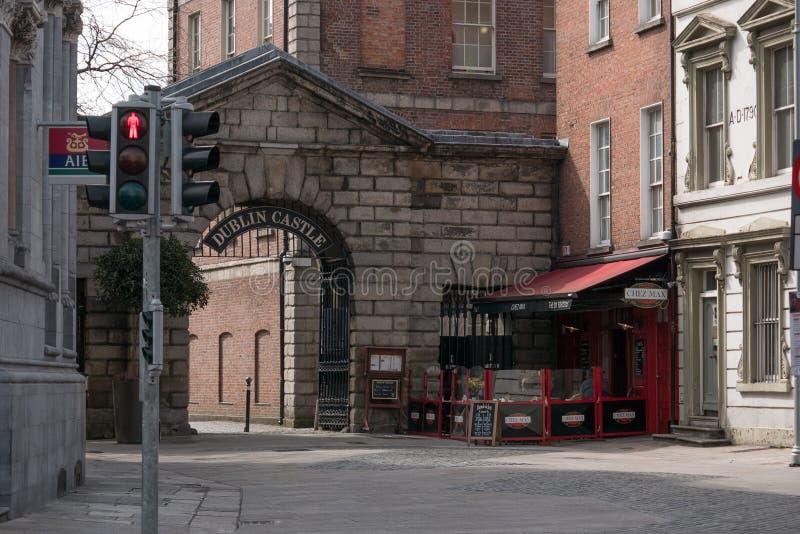 Vieille entrée arquée à Dublin Castle, Irlande photographie stock