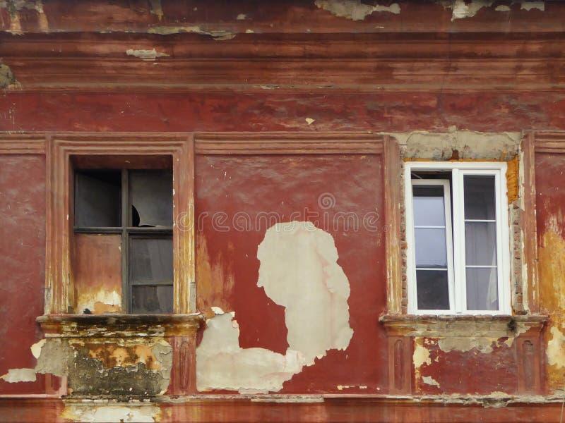 Vieille et nouvelle fenêtre photo libre de droits