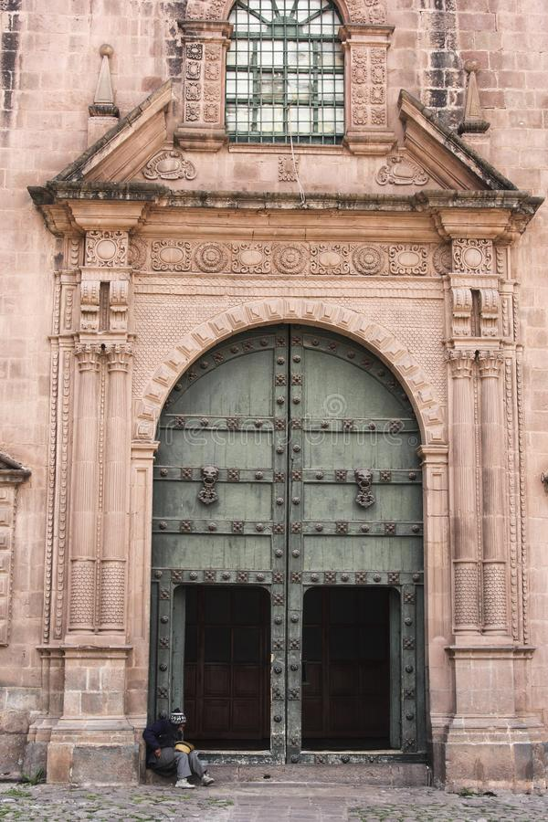 Vieille façade d'église catholique dans Cuzco Pérou photo libre de droits