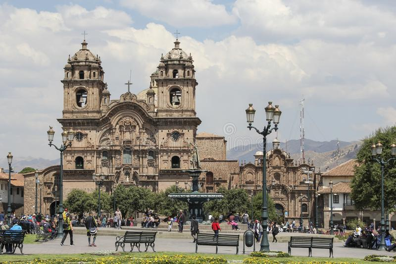 Vieille façade d'église catholique dans Cuzco Pérou image libre de droits