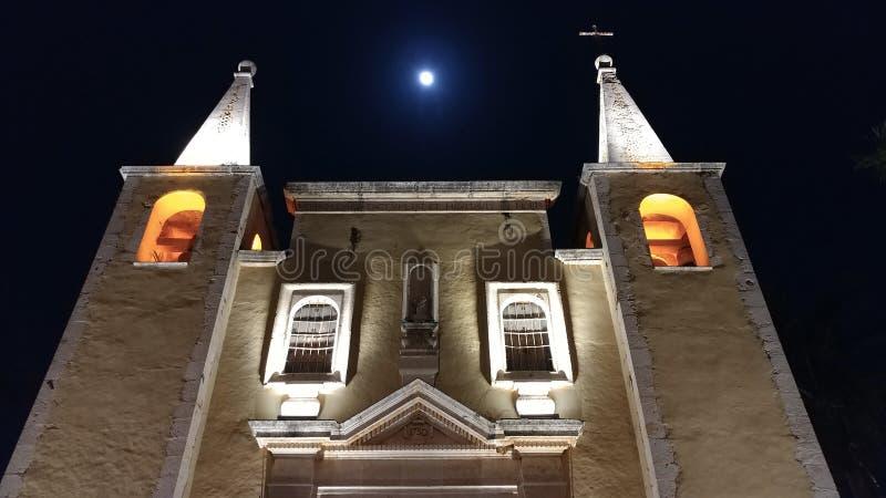 Vieille façade gentille d'église à Mérida, Mexique photographie stock libre de droits
