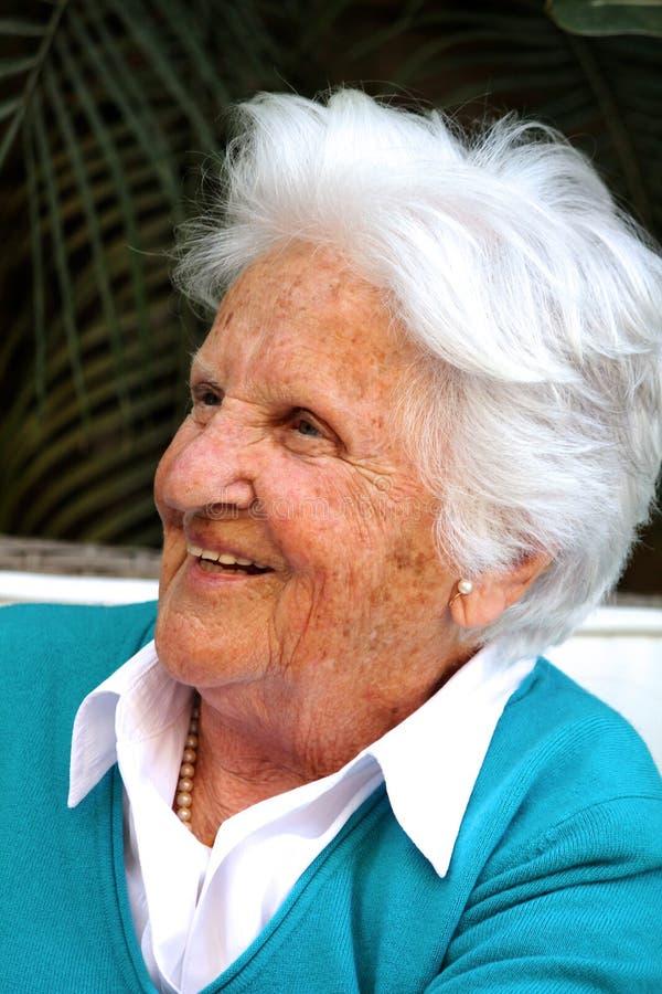 Vieille femme maltaise image libre de droits