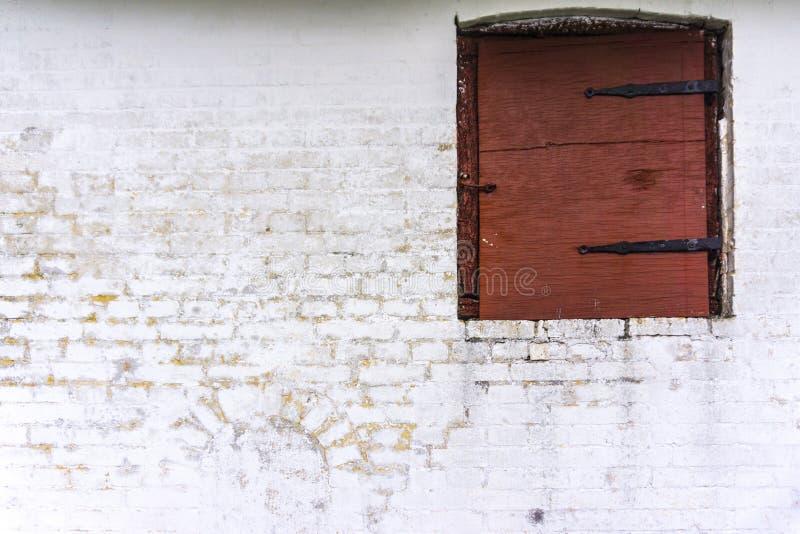 Vieille fenêtre de ferme image libre de droits