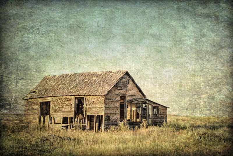 Vieille ferme abandonnée sur la prairie du Colorado photos stock