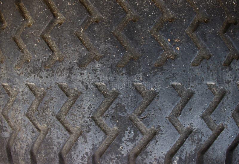 Vieille fin de pneu de voiture  image libre de droits