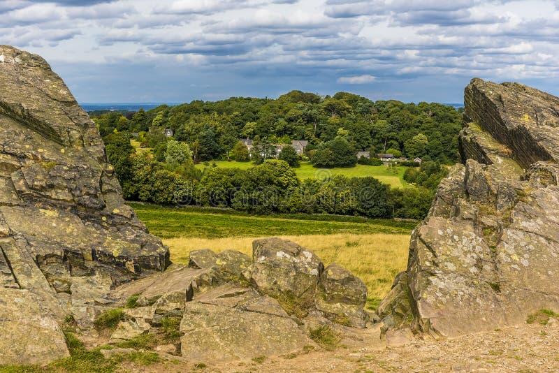 Vieille folie de John en parc de Bradgate, Leicestershire regardant vers Warren Hill photo stock