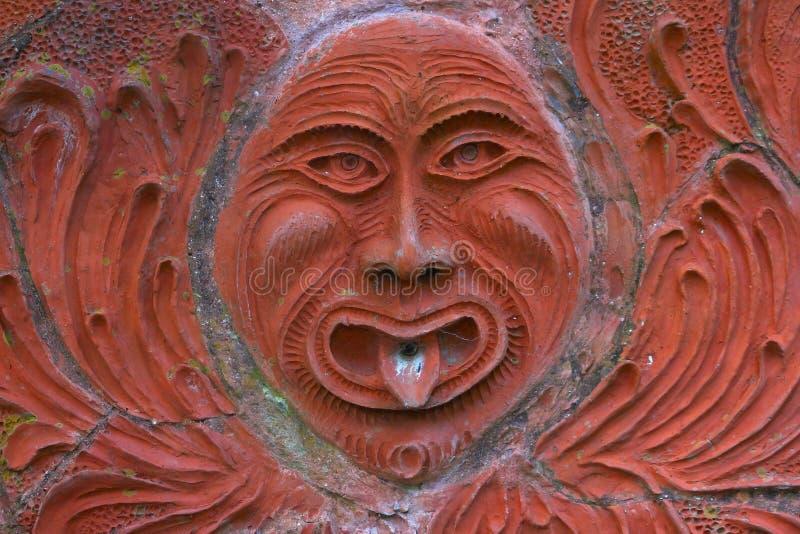 Vieille fontaine de statue du soleil photo libre de droits