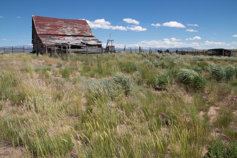 Vieille grange abandonnée dans la réserve de ressortissant d'Arapaho photo stock