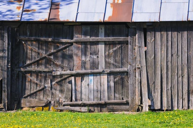 Vieille grange en Pologne photos stock
