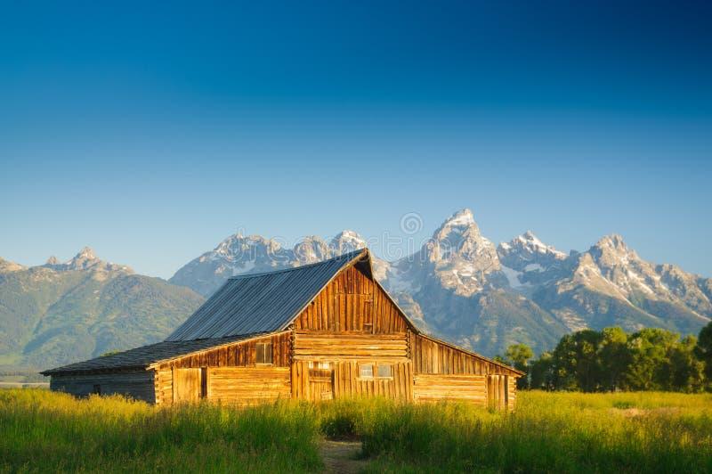 Vieille grange mormone dans le Tetons images libres de droits