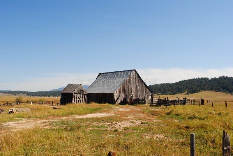 Vieille grange rustique photos libres de droits