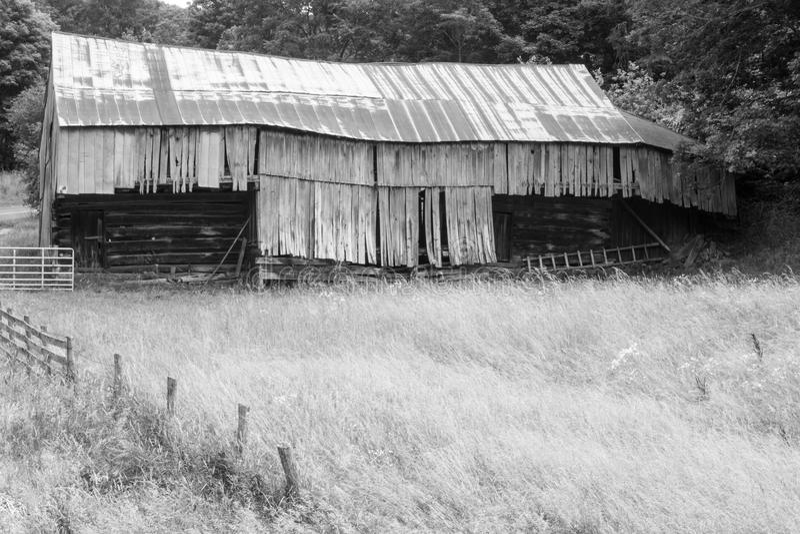 Vieille grange rustique en Virginie images libres de droits