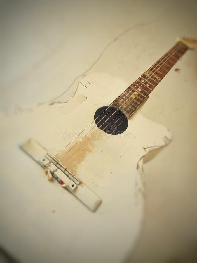 Vieille guitare image libre de droits