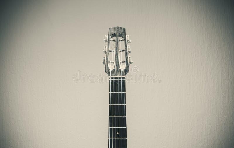 Vieille guitare gitane photographie stock libre de droits