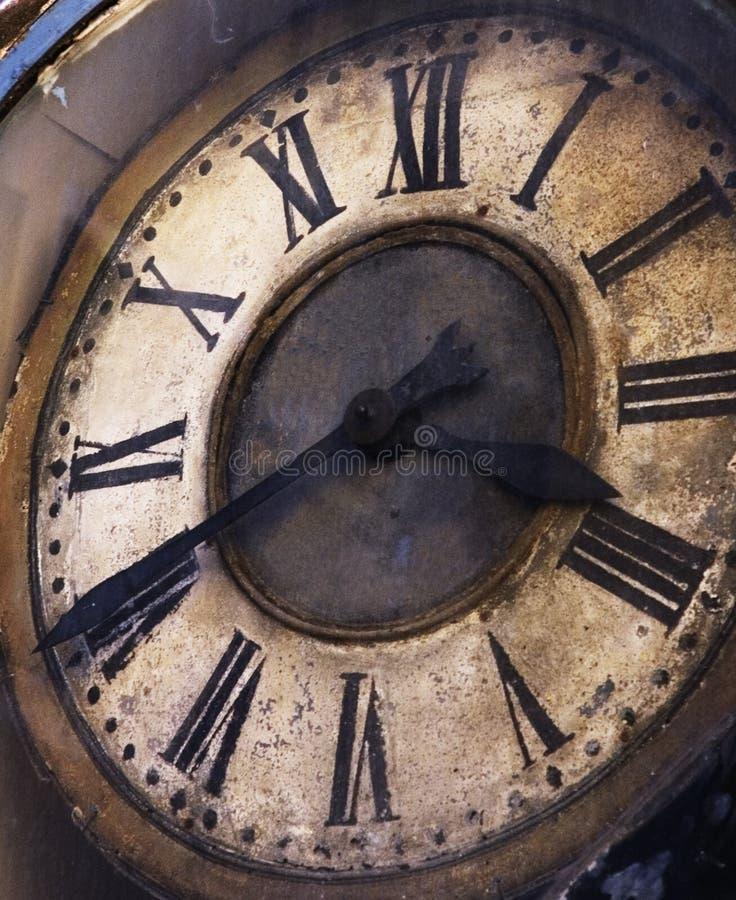 Vieille horloge grunge photographie stock libre de droits