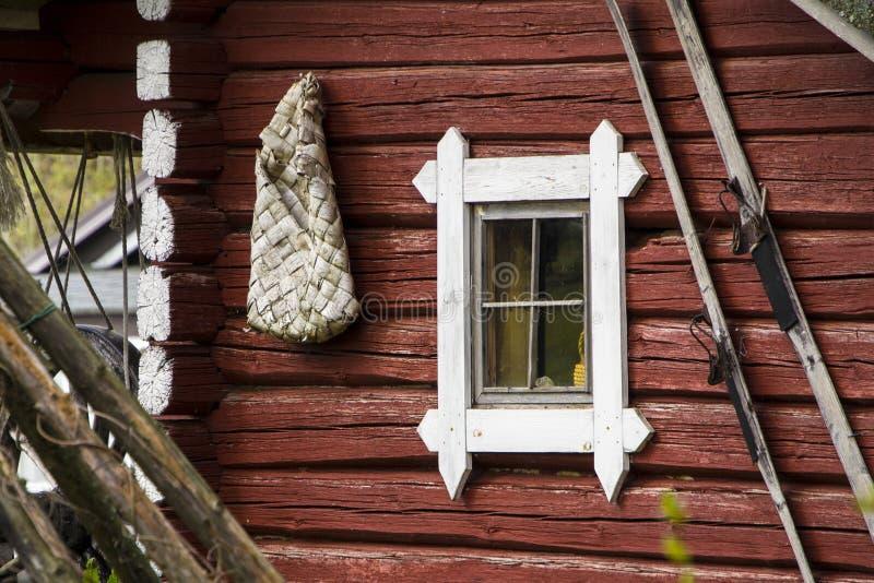 Vieille hutte de rondin photographie stock libre de droits