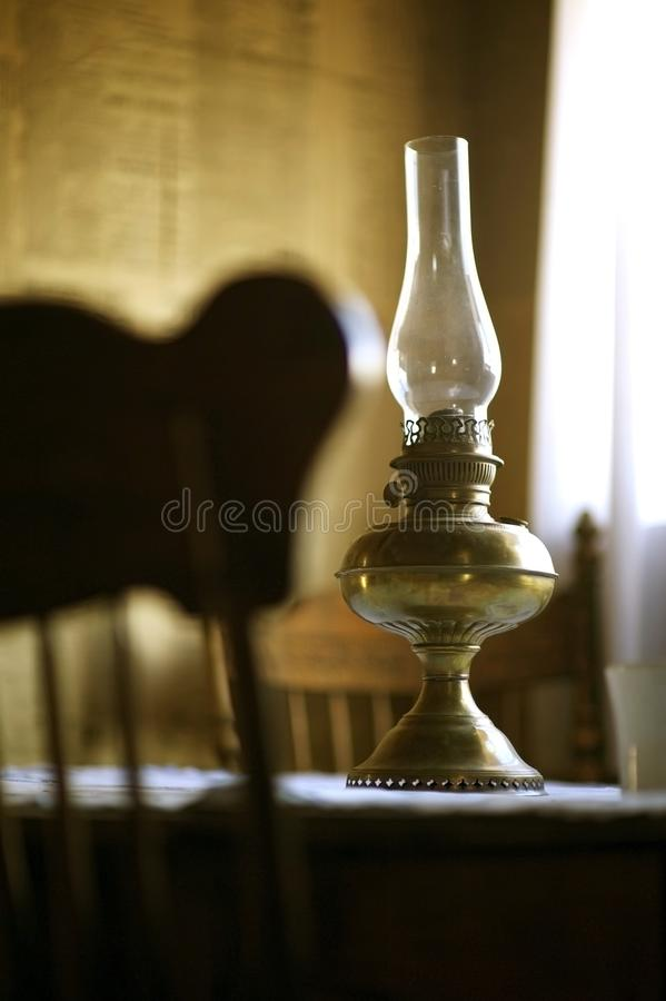 Vieille lampe à pétrole photo libre de droits