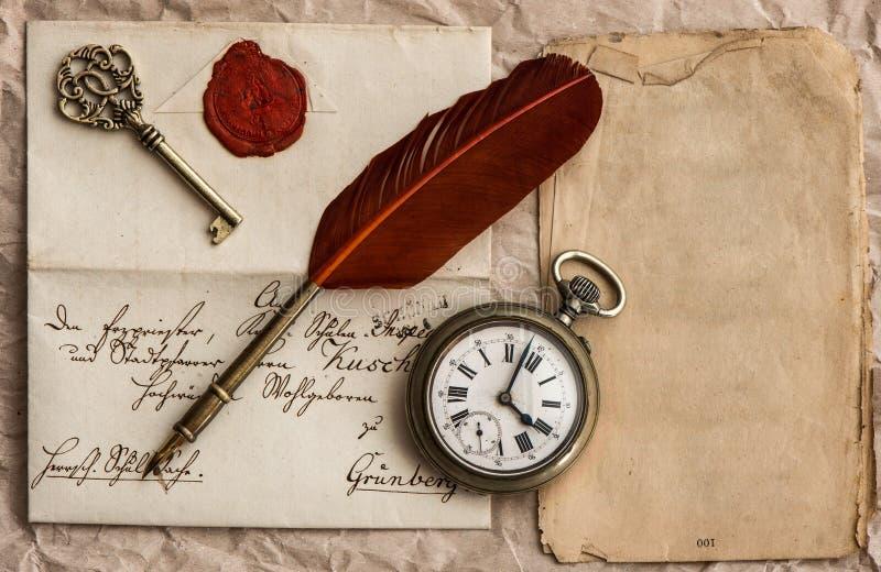 Vieille lettre avec le joint de cire. fond de vintage images stock